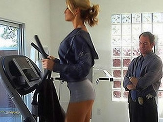 Horny Jessica Drake seduces and fucks a detective after her workout