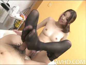 Nao kojima plays with her patient's cock