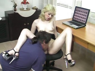 Watch as platinum blonde has sex with her colleague
