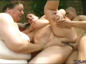 Two bbw show how they fuck some nice big cock