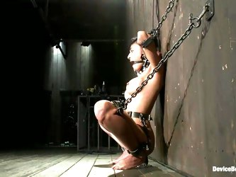 Beretta James gets tortured to orgasm in a basement