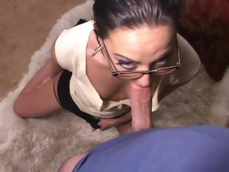Veronica Jett gets fucked in missionary position after giving head