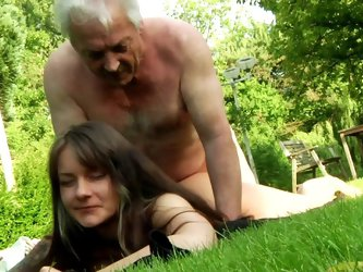 Slutty teen feels amazing having old guy smacking her twat in outdoor fuck session