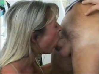 BODYBUILDERS GIRLS DEEPTHROAT And ANAL BBF THREESOME (Lupus23)