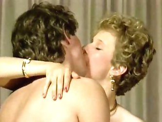 Threesome from Les faveurs de Sophie (1984)