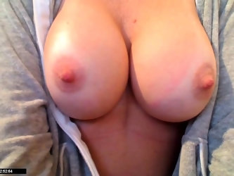 Amatuer With Very Nice Tits JOI