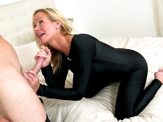 Hot mom need younger dick inside