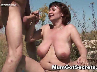 Horny MILF gets her hairy muf fucked