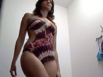 OMG! My hidden cam in women's dressing room finally caught gorgeous goddess! That perfect dark-haired chick had a juicy appetizing ass!