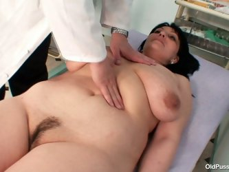 He explores  her tits with his playful  fingers  and after she spreads her legs wide open  in front of him. He thrust his fingers in her slit and exam