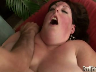 A man must have solid balls and gutts to fuck that kind of ugly shit. Mindee Mounds is so fat that it takes special skills to find her asshole and ban