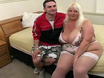 Voracious blonde hooker with huge boobs and thick ass gets her body measurements taken. After she gives hot blowjob sitting down on her knees. Lusty m