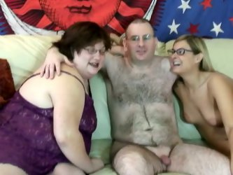 Amateur SSBBW mommy loves sucking one cock with her young girlfriend. Then that ugly fattie gets her loose snatch fucked missionary style.