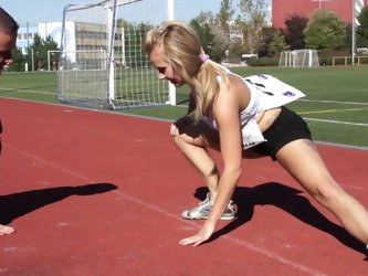 Smashing fuck for sporty blonde in heats