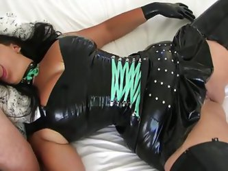 Chocolate Mouse In Latex Fucks In Bed