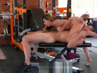 Latina MILF Reena Sky fucking at the gym