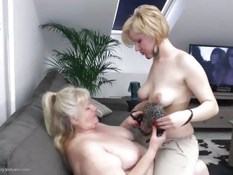 This old blonde lesbian had a few horny cunt at her life but now that she's old and chubby Leona gets even more pussy! Two horny chicks are makin