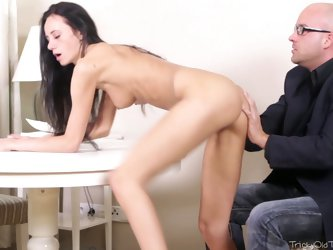 Superb brunette temptress Veronika gets her pussy eaten out