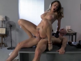 Private investigator fucks his sexy client on the desk