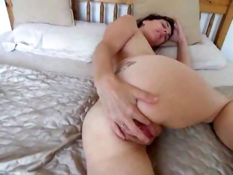 Skinny mature gets horny and masturbates to her climax