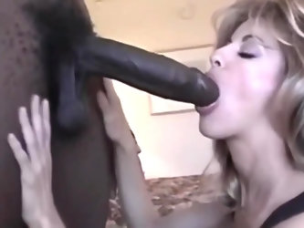 Mature woman fucked by bbc at hotel