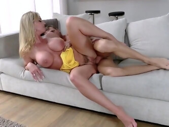 Blonde mommy did not deny the stepson of real sex on the couch...