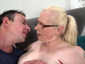 Regardless of her age, this mature blonde still has an active sexual imagination and some dirty needs that require satisfaction. So she gets a young s
