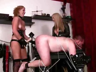 Goddess Lexi Strapon Dominatrix
