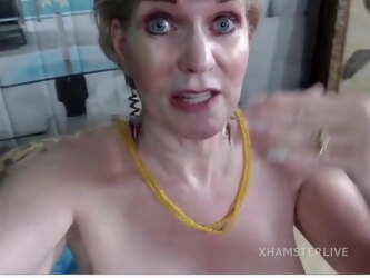 Mature Teacher Sindee Dix Gives Lessons on the Pussy
