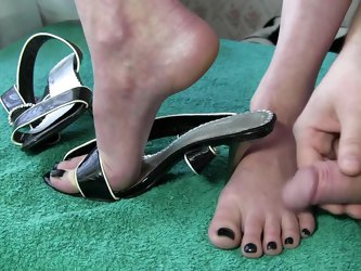 Wife Shoejob