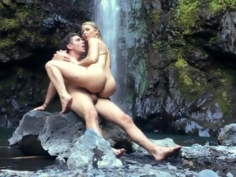 A blonde that loves to suck dick is fucking in the cool water