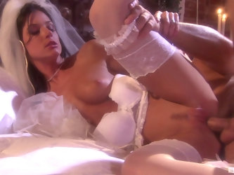 New bride India Summer gets a hardcore first wedding night fuck