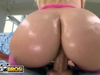 BANGBROS - PAWG Loren Nicole Has A Perfect Round Ass