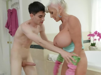 Handsome porn sensation Jordi El Nino Polla surely knows how to handle this old woman. Her giant boobies make him hard as a rock, he proceeds to bang