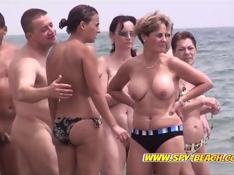 Awesome Nudist Group Voyeur Beach Amateurs Video Part 1